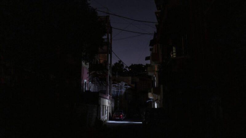 Ordu devreye girdi! Ülkede yalnızca 3 günlük elektrik kaldı