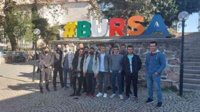 Gençlik Bursa'da yollarda