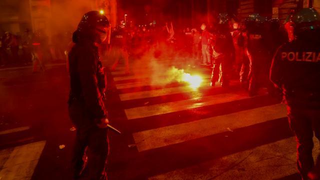 İtalya sokakları karıştı