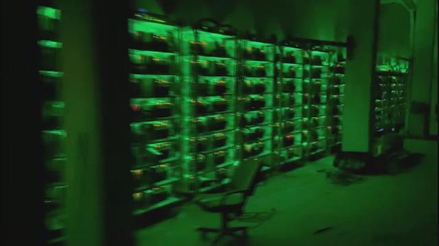 Mühürlü fabrikayı sahte kripto para üretim tesisine çevirmişler