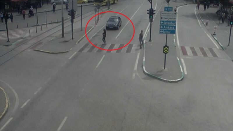 Bursa'da akıl almaz kazalar kamerada