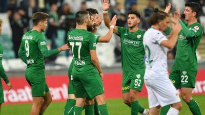 Bursa'da goller bitmiyor! Timsah attıkça atıyor…
