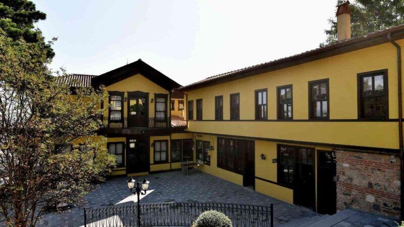 Bursa'daki 100 yıllık konak yeniden kapılarını açtı