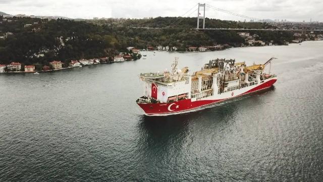 Yavuz sondaj gemisi Karadeniz yolunda